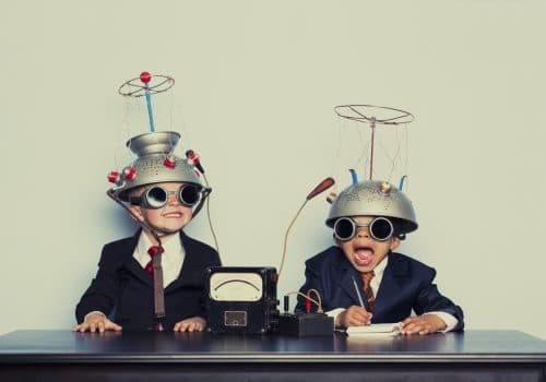 Ungar som letar rätt kommunikationsbyrå